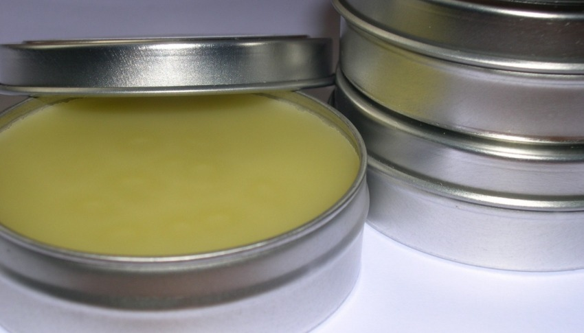 homemade salves and ointment tins