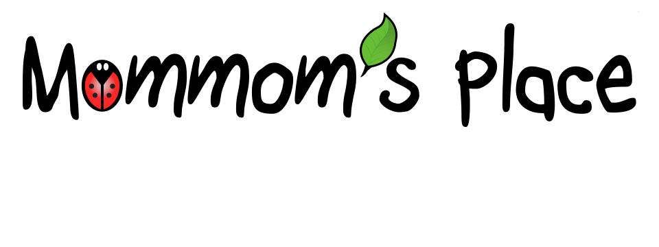 mommoms-place-name-slide-1